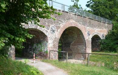 Feldchenbahnbrücke